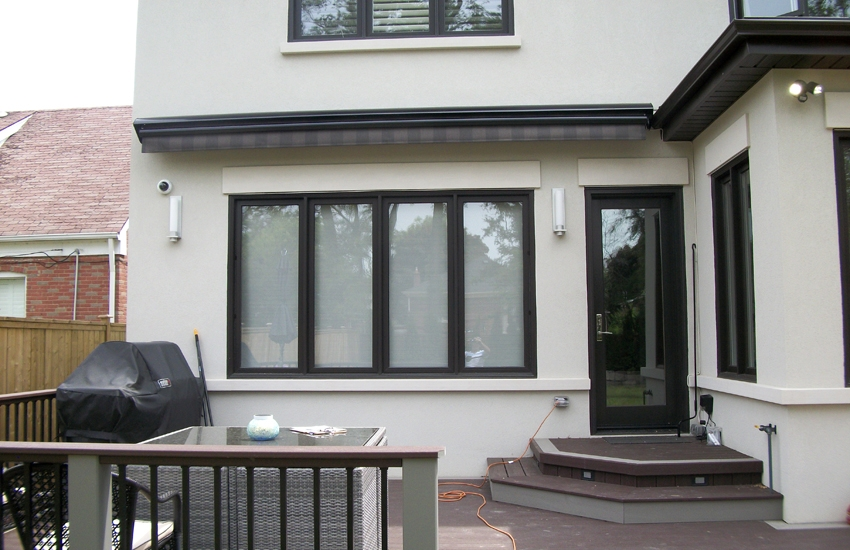 Awning over a deck | Rolltec® Retractable Awnings ...