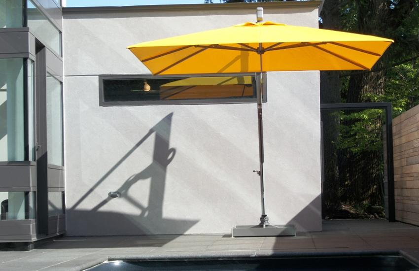 Somrano yellow umbrella