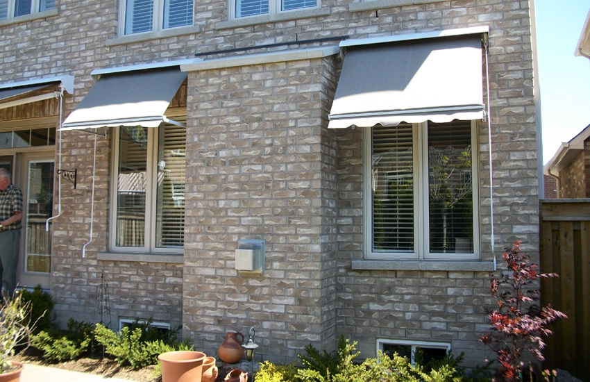 Adalia X3M and Drop arm awnings