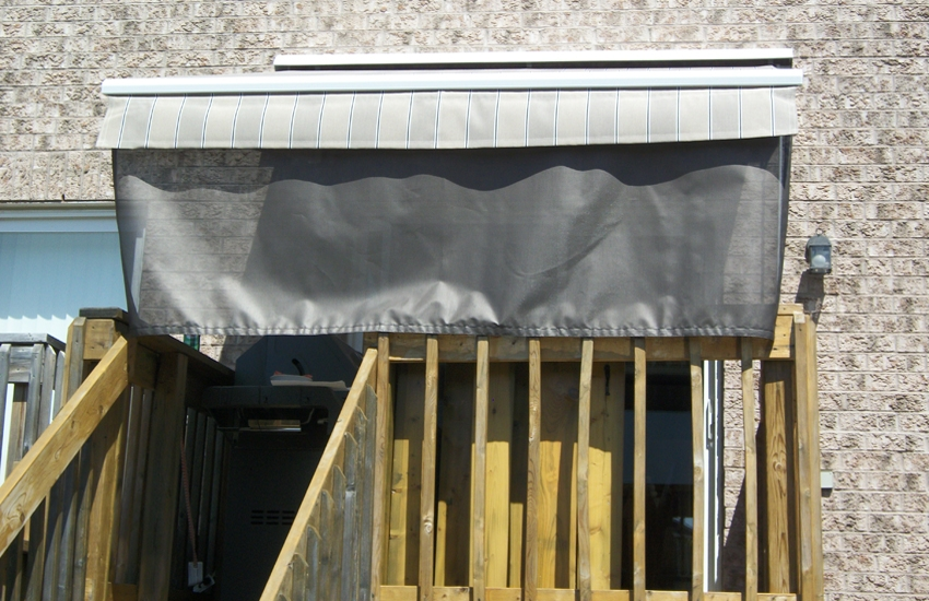 Awning with removable front valance