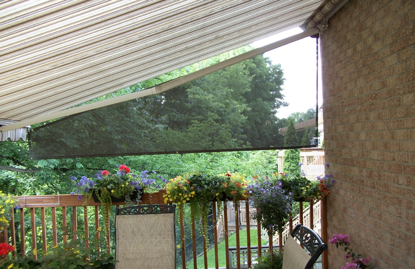 Awning With A Side Curtain Rolltec 174 Retractable Awnings