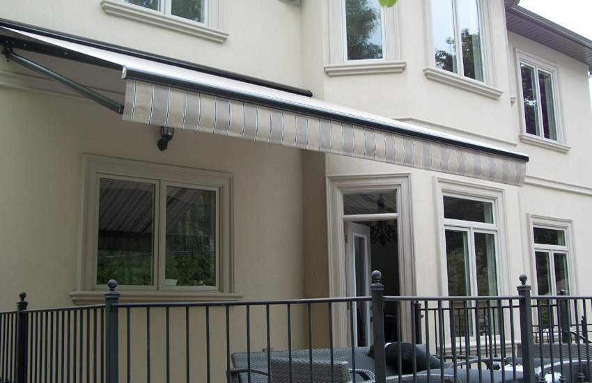 Stationary And Extenda Rolltec 174 Retractable Awnings
